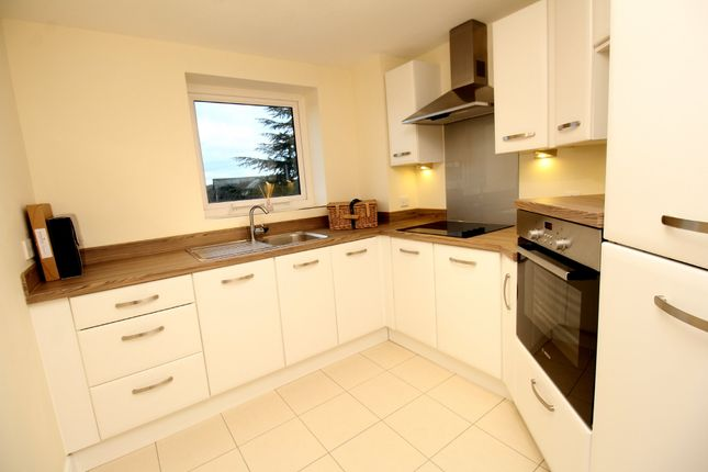 Thumbnail Flat for sale in Wilford Lane, West Bridgford, Nottingham