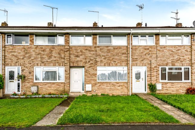 3 bed terraced house for sale in Windrush, Highworth SN6