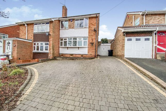 4 bed semi-detached house to rent in Balmoral Road, Stourbridge DY8