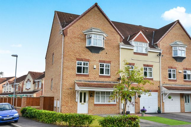 Thumbnail Town house for sale in Opal Close, Mansfield