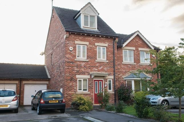 Thumbnail Town house for sale in Burleigh Rise, Tuxford, Newark