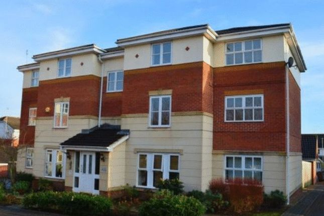 2 bed flat for sale in The Links, Holbeck, Leeds