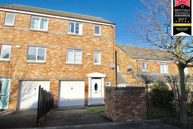 Thumbnail Town house to rent in Village Heights, Gateshead, Tyne & Wear
