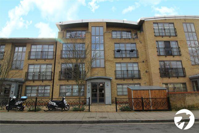 Picture No. 21 of Morley Road, Lewisham, London SE13