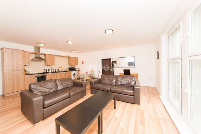 1 bed flat to rent in City Apartments, Northumberland Street, Newcastle Upon Tyne