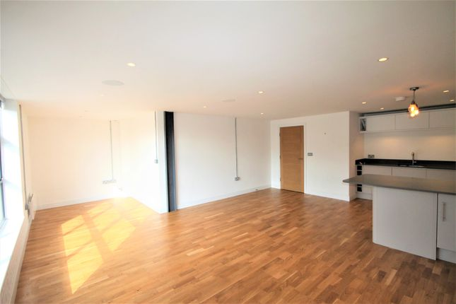 Thumbnail Flat to rent in Princess Parade, Crofton Road, Farnborough, Orpington