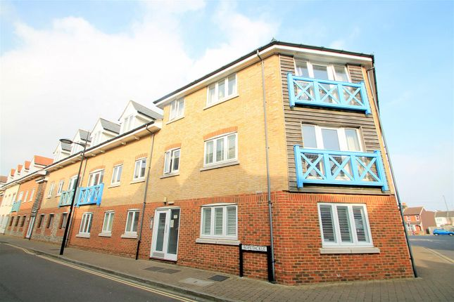 Thumbnail Flat to rent in Ropetackle, Shoreham-By-Sea