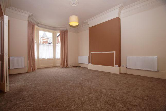 Thumbnail Flat to rent in Esplanade Gardens, Scarborough