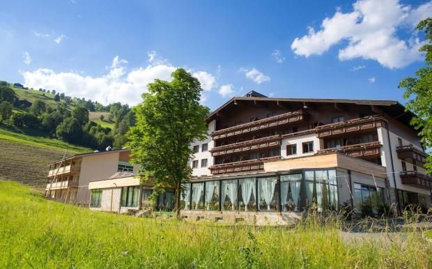Thumbnail Commercial property for sale in Hotel Victoria, Kaprun, Austria, 5710
