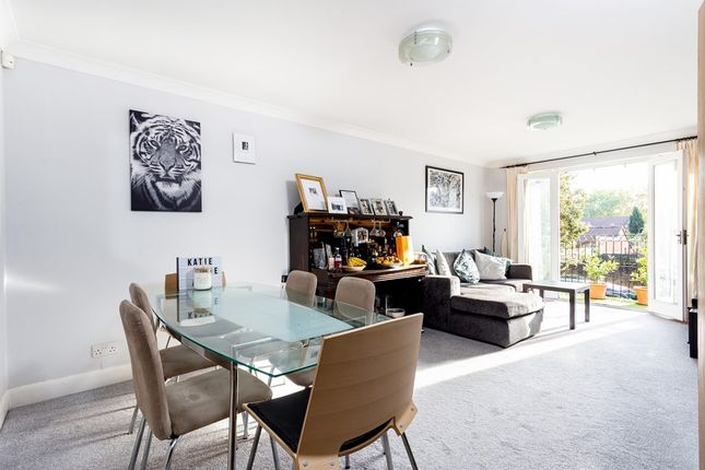 Flat for sale in St. Alphonsus Road, London