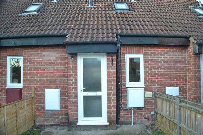 Thumbnail Terraced house to rent in Alston Mews, Thatcham
