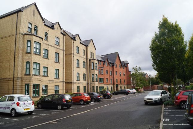 Thumbnail Flat to rent in Hadfield Close, Victoria Park, Manchester