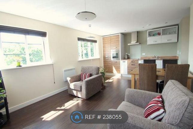 Thumbnail Flat to rent in Wallis Square, Farnborough