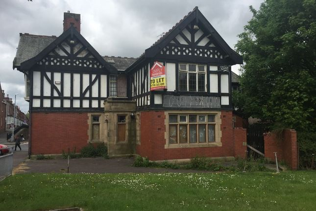 Thumbnail Leisure/hospitality to let in Manchester Road, Rochdale