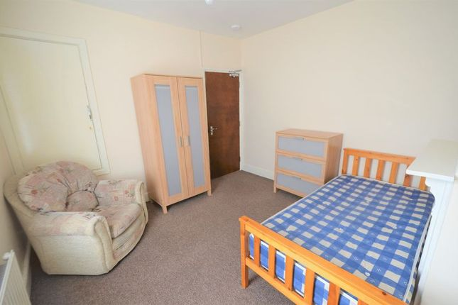 Thumbnail Room to rent in Azes Lane, Barnstaple