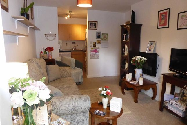 Living Room: of Gomersall House, Cavendish Approach, Driglington, West Yorkshire BD11