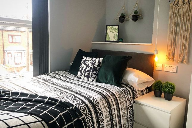 Thumbnail Room to rent in Castleford Road, Normanton