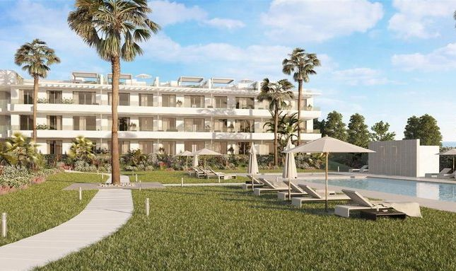 3 bed apartment for sale in Estepona, Málaga, Spain