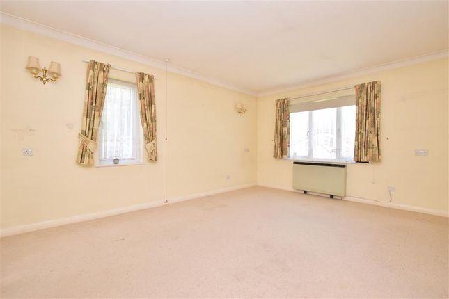 1 bed flat for sale in Greenwood Gardens, Caterham, Surrey CR3