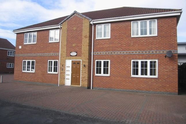 Thumbnail Flat to rent in St. Margarets Walk, Scunthorpe
