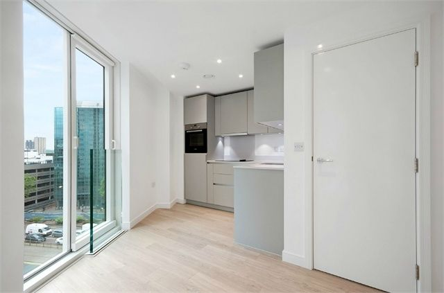 Thumbnail Studio for sale in Pinnacle Apartments, Saffron Central Square, Croydon, Surrey