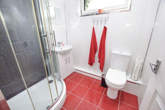 Shower Room of 116 Main Street, Glasgow G73