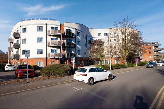 2 bed flat for sale in Mayfield Road, Hersham, Walton-On-Thames, Surrey KT12