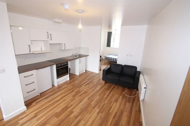 Thumbnail Flat to rent in Clyde Court, Erskine Street