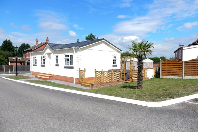 Thumbnail Cottage for sale in Eastfield Park, Tuxford, Newark