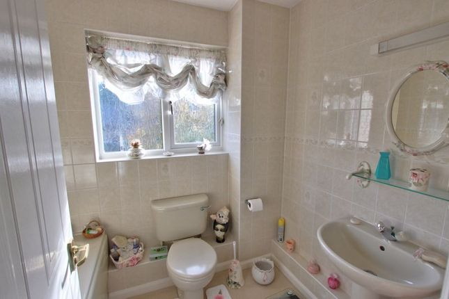 Photo 9 of Broadbent Close, Rownhams, Hampshire SO16