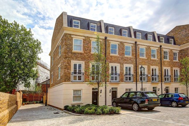 Thumbnail Town house for sale in Hurlingham Business Park, Sulivan Road, London