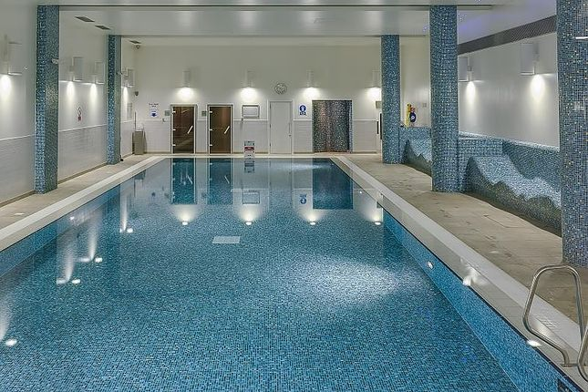 Swimming Pool of Station Approach, Hayes UB3