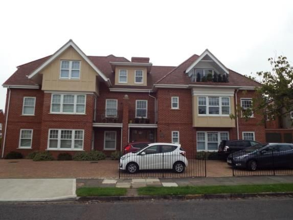 Thumbnail Flat for sale in Queens Road, Frinton-On-Sea, Essex