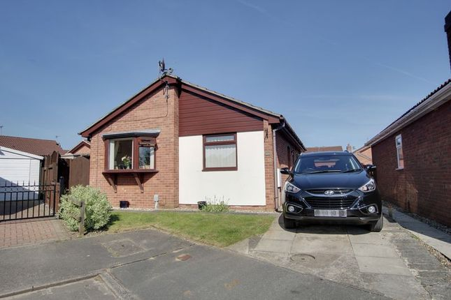 Thumbnail Detached bungalow for sale in Manor Park, Preston, Hull