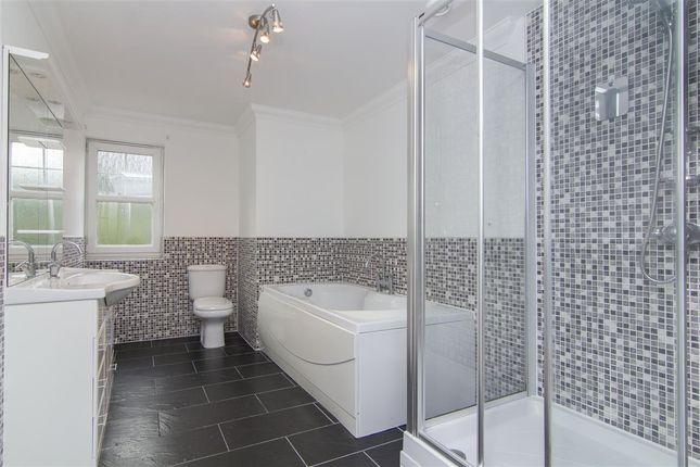 Family Bathroom of Carronvale Road, Larbert FK5