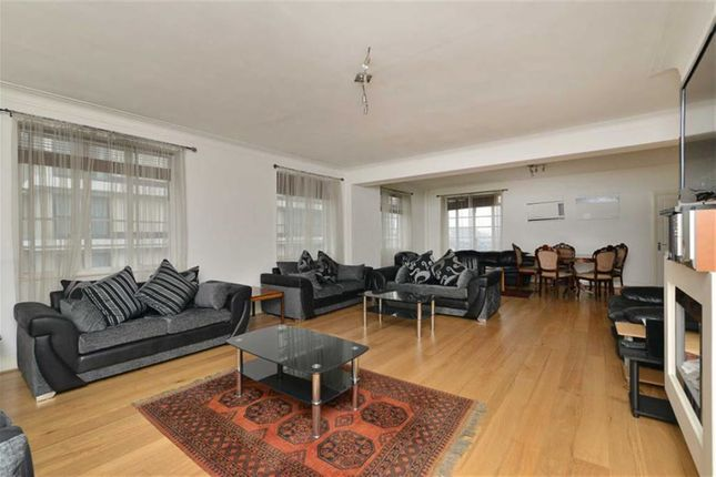 Thumbnail Flat for sale in George Street, London, London