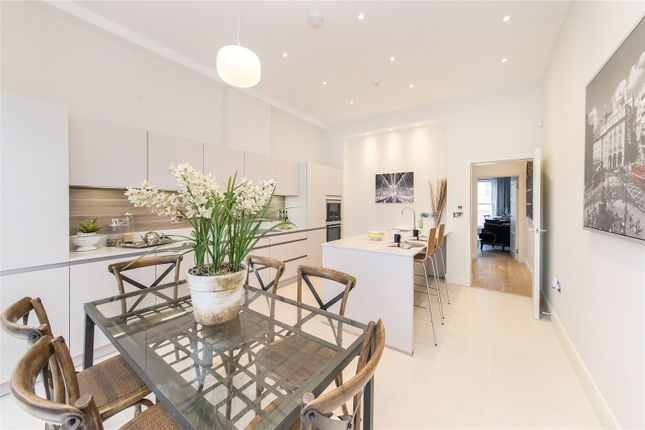 Thumbnail Terraced house for sale in Gayford Road, Shepherds Bush, London