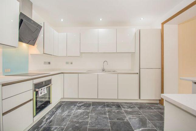 2 bed flat to rent in Pen-Y-Lan Road, Roath, Cardiff CF23