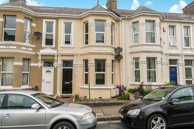 Flat to rent in Old Park Road, Plymouth