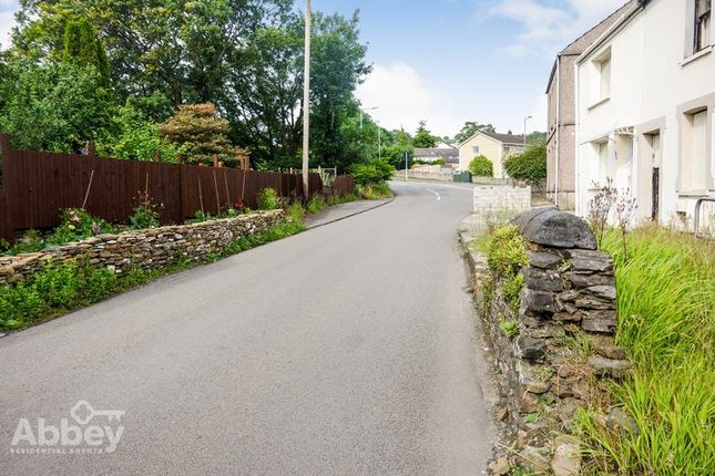 Street Scene of Heol Las, Birchgrove, Swansea SA7