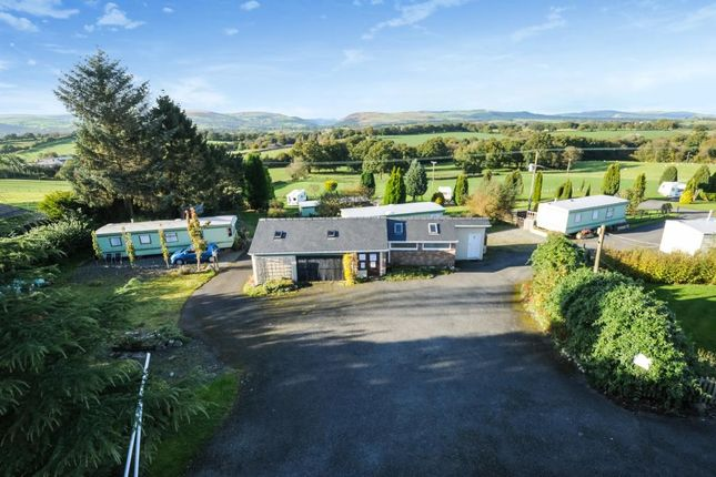 Thumbnail Leisure/hospitality for sale in Howey, Llandrindod Wells.