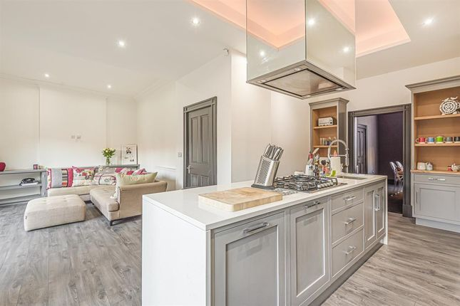 Thumbnail Detached house for sale in Walkergate, Beverley