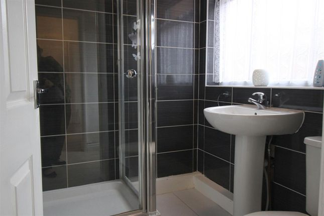 Bathroom of Brunton Street, Darlington DL1