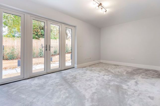 Photo 9 of 158 Foxley Lane, Purley CR8