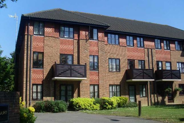 Thumbnail Flat to rent in Godolphin Court, Brighton Road, Crawley