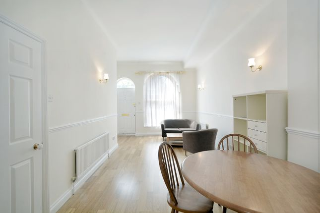 Thumbnail Flat for sale in William Square, London