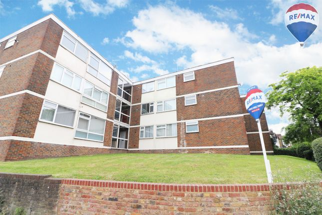 Thumbnail Flat for sale in Markfield Gardens, North Chingford