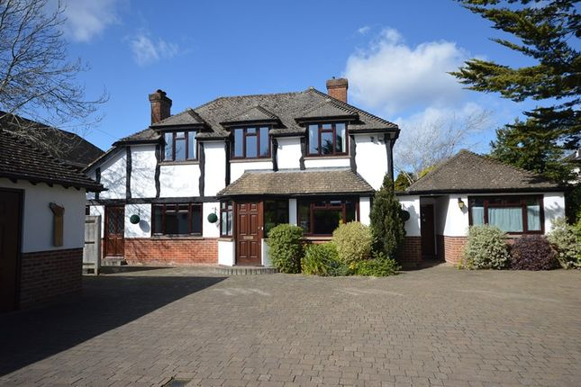 Thumbnail Detached house for sale in Milford Road, Pennington, Lymington