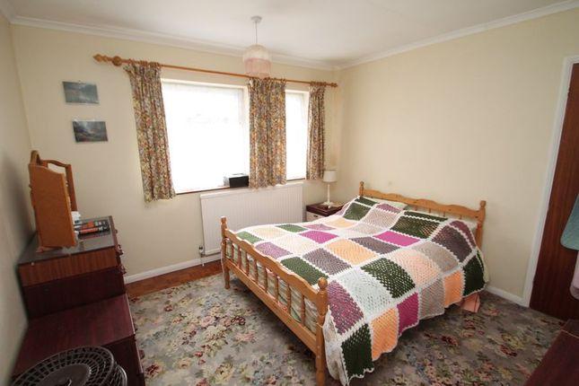 Bedroom One of Brownlow Avenue, Edlesborough, Bucks LU6