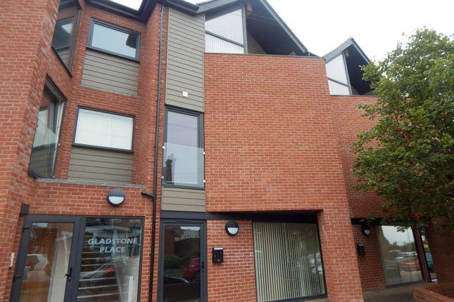 Flat to rent in Stanley Road, Felixstowe